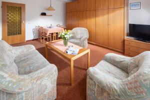 Ferienhaus Harmening FeWo 4 - Wohnzimmer