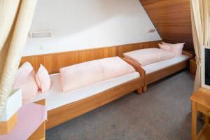 Ferienhaus Harmening FeWo 5 - Wohn-Schlafzimmer
